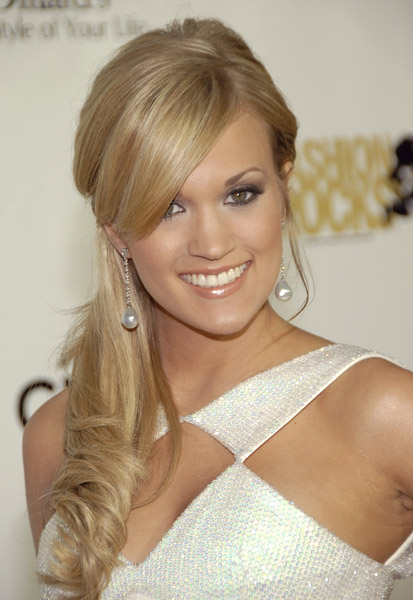 carrie underwood hair half up. I love this half up,